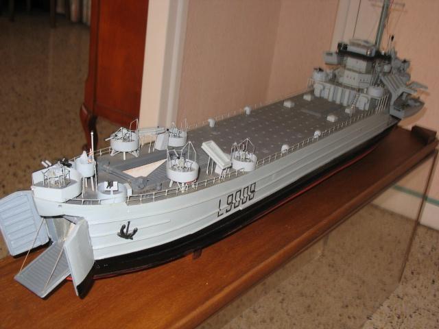 [Divers Navires amphibies] Les LST Img_0210