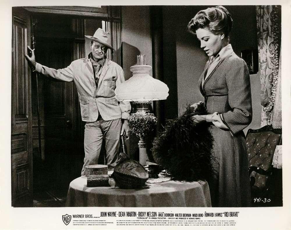 Rio Bravo - 1959 - Page 2 Angie-10