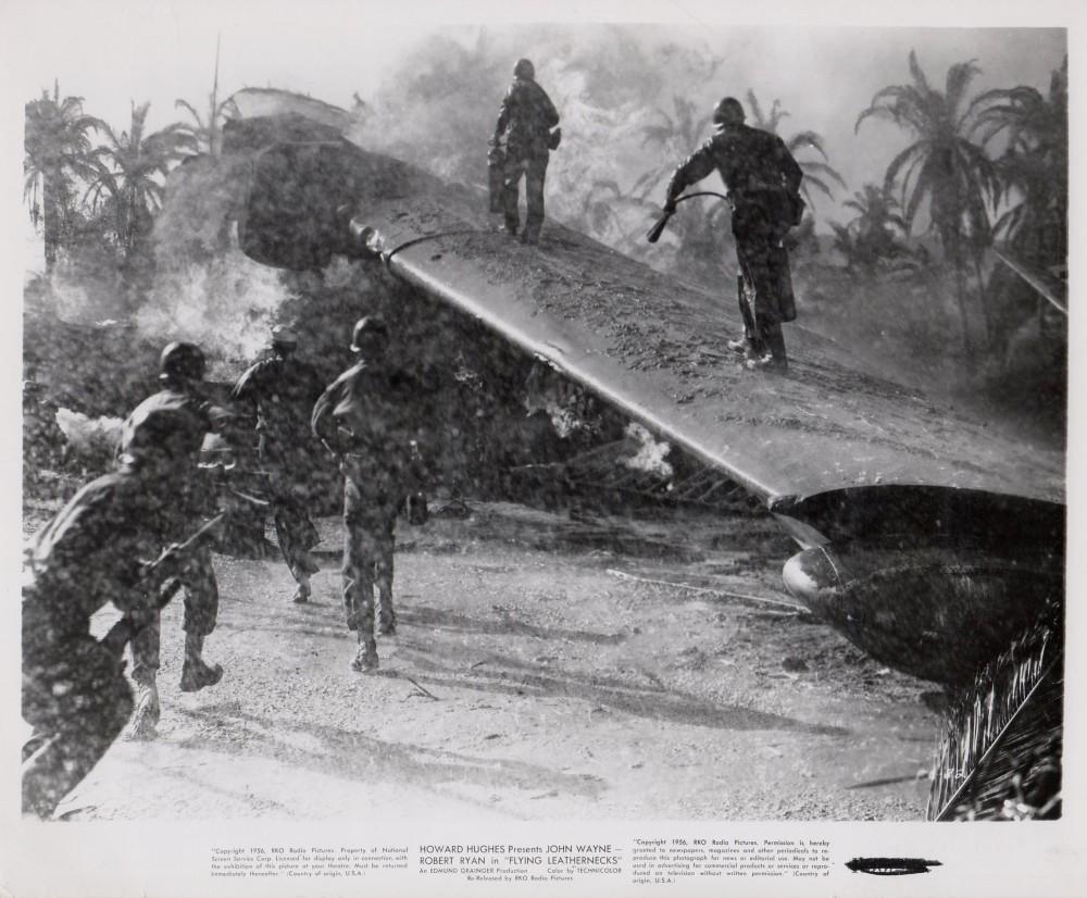 Les Diables de Guadalcanal - Flying Leathernecks - 1951 - Page 2 Duke_a16