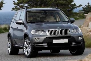 Nayanthara bought brand new black BMW- X 5 Bmw-x510