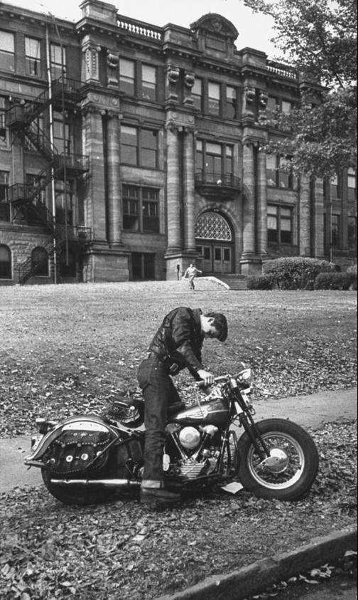 Les vieilles Harley....(ante 84)..... - Page 4 Captu585