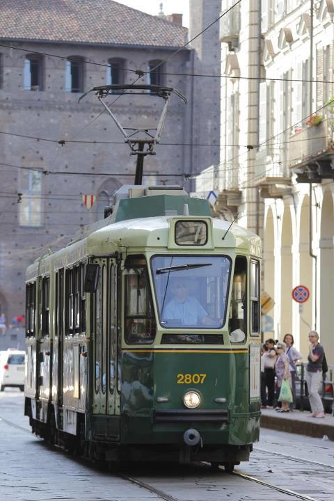 Torino in bianco e nero....... Tram_s10