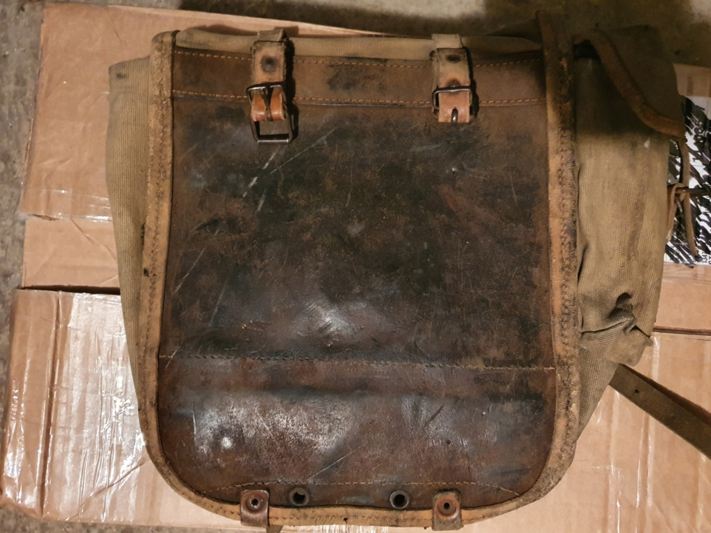 Nettoyage vieilles sacoches cuir et coton 20210523