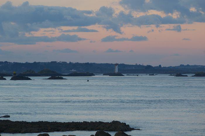 Phares et quelques feux de la baie de Saint Brieuc Imgp0613