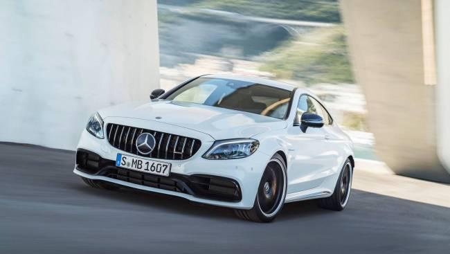 Nova geração do Mercedes-AMG C63 terá tração 4WD e modo drift 2019-m11