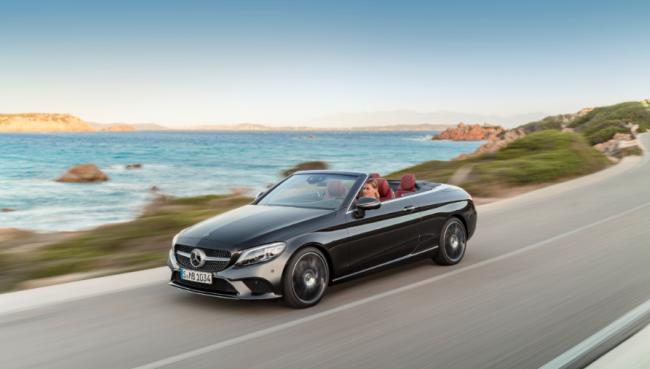 Mercedes-Benz anuncia novos modelos do Classe C com versões no Brasil Merced10