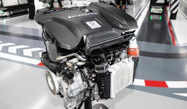 Mercedes-AMG terá motor de 4 cilindros mais potente do mundo Merced11