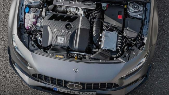 Motor 2.0 turbo de 421 cv do A45 pode substituir V6 na Mercedes Tela43