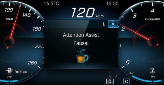 mercedes - Há uma década a Mercedes-Benz convida motorista a um cafezinho Tela45