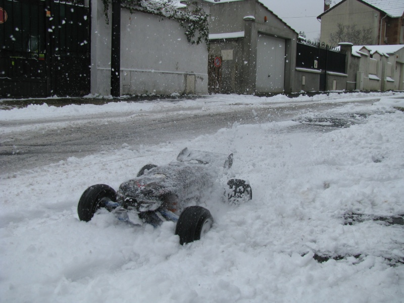 Metal-Geek et Erbe dans la neige. Img_9115