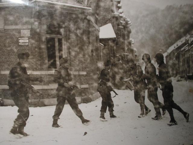 """musée de LA ROCHE EN ARDENNE """"offensice 44-45"""" 1945-110"""