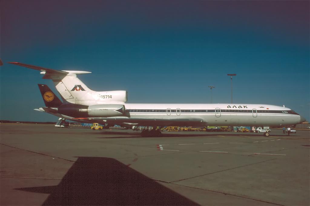 TU-154 in FRA - Page 2 Tu154_25