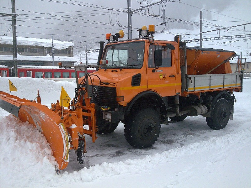 photos unimog chasse neige - Page 2 Bild0210