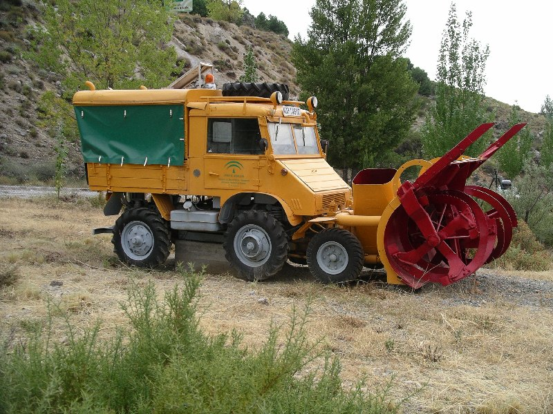 photos unimog chasse neige - Page 2 Frse_s10
