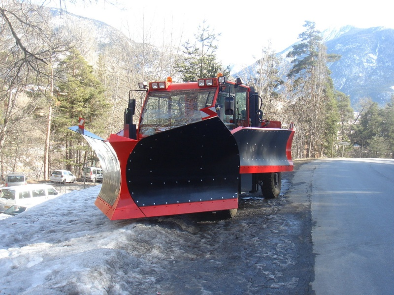 photos unimog chasse neige - Page 2 Hs4ktu10