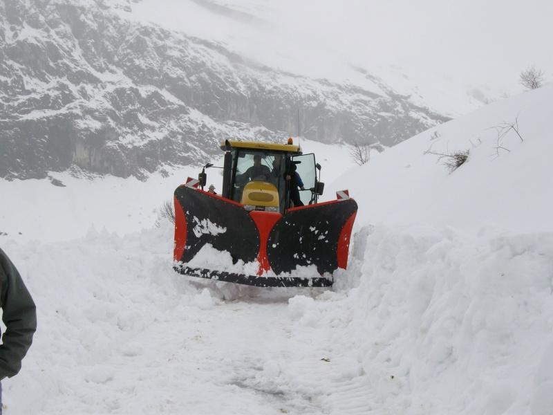 photos unimog chasse neige - Page 2 Imgp0610
