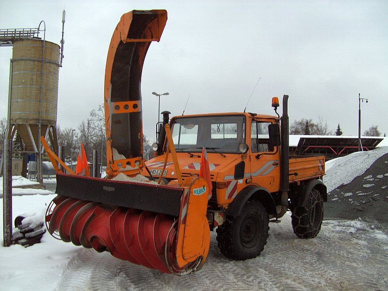 photos unimog chasse neige - Page 2 Pict3410