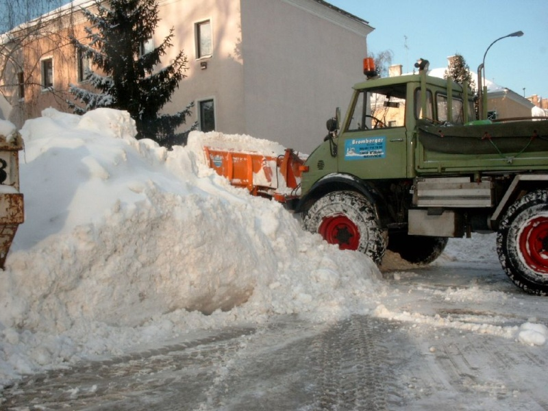 photos unimog chasse neige - Page 2 Schnee10