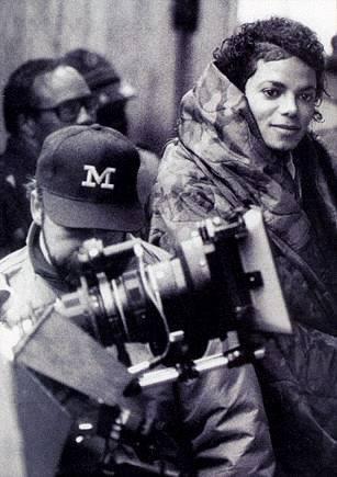 Photos Making of des clips de MJ ! Martin10