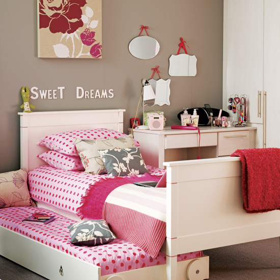 Chambre d'enfant romantique et douce !! Neutra10