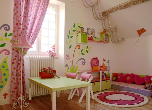 Chambre d'enfant romantique et douce !! Sabine12