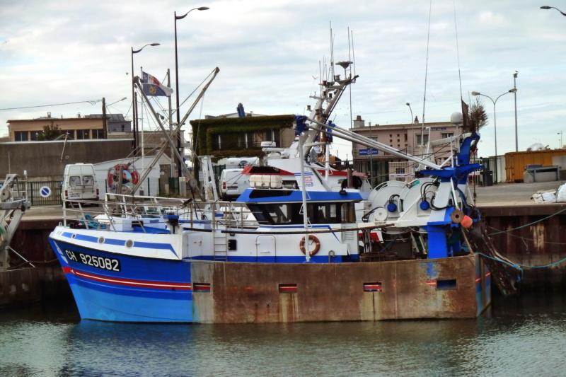 [VIE DES PORTS] Quelques bateaux de pêche (sur nos côtes Françaises) - Page 5 11471_10