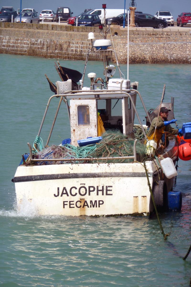 [VIE DES PORTS] Quelques bateaux de pêche (sur nos côtes Françaises) - Page 10 11963_10