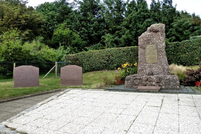 [ Histoires et histoire ] Monuments aux morts originaux Français Tome 2 - Page 23 12179_10