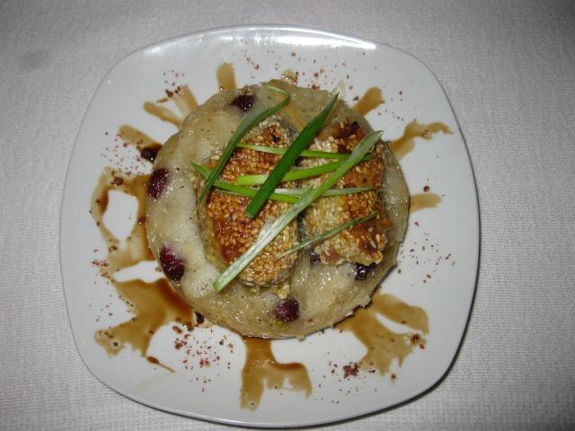 Tatin de mangue (ou de poire), foie gras au sésame et balsamique Foie_g11