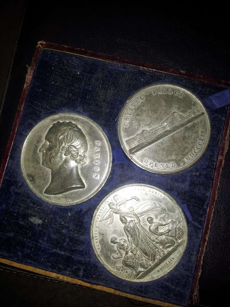 Crystal palace Medalions found 1854 2013-012