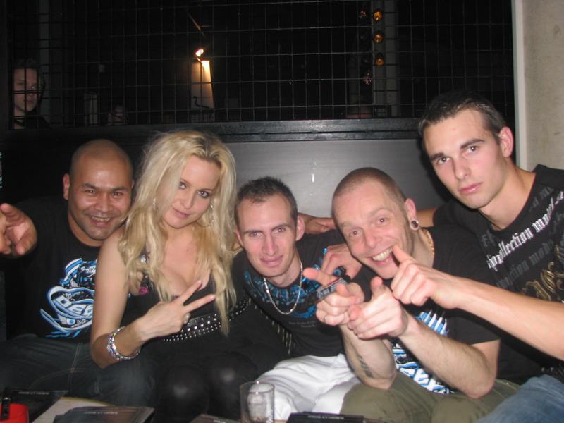 Vos photos avec des DJ's - Page 6 Dailuc10