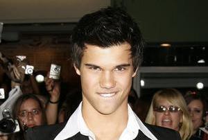 Taylor Lautner Sans-t12