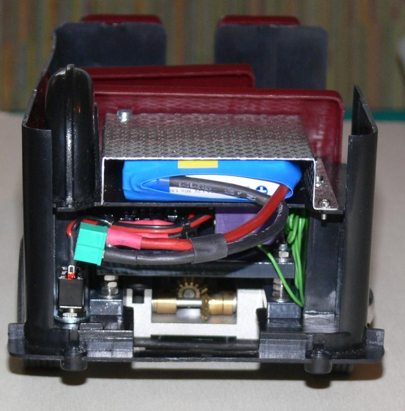 Umbau eines Dickie Toys VW Bulli zu einem RC-Fahrzeug in 1/14 P1270010