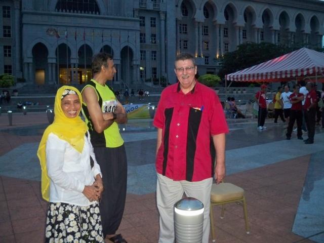 12 heures de Putrajaya (Malaisie): 08-09/12/2012 100_2710