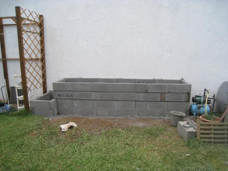 peindre un mur en parpaing brut non lisse en ext rieur. Black Bedroom Furniture Sets. Home Design Ideas