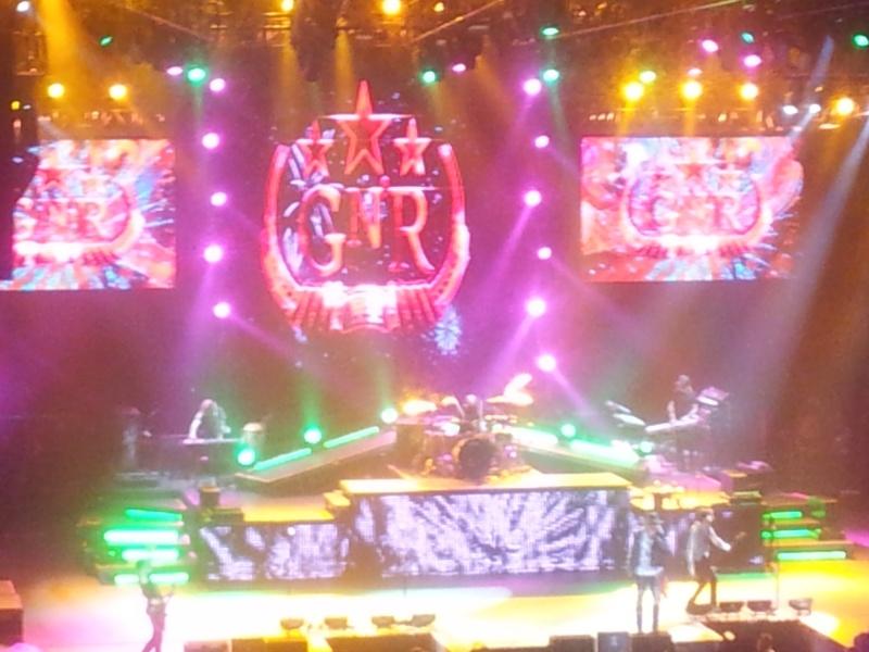 Guns N'Roses 2012-013