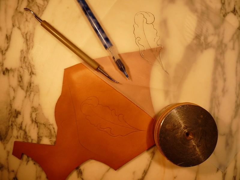 Le repoussage du cuir. P1010312