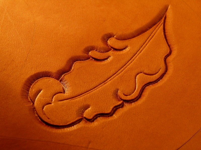 Le repoussage du cuir. P1010316