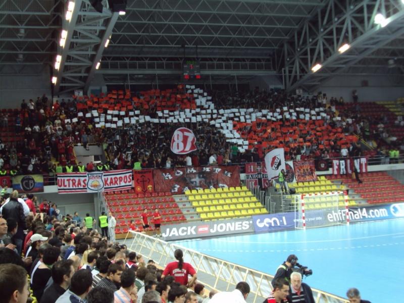 Ultras Choreos (Pyro, Flags, Smokes) Dsc00910