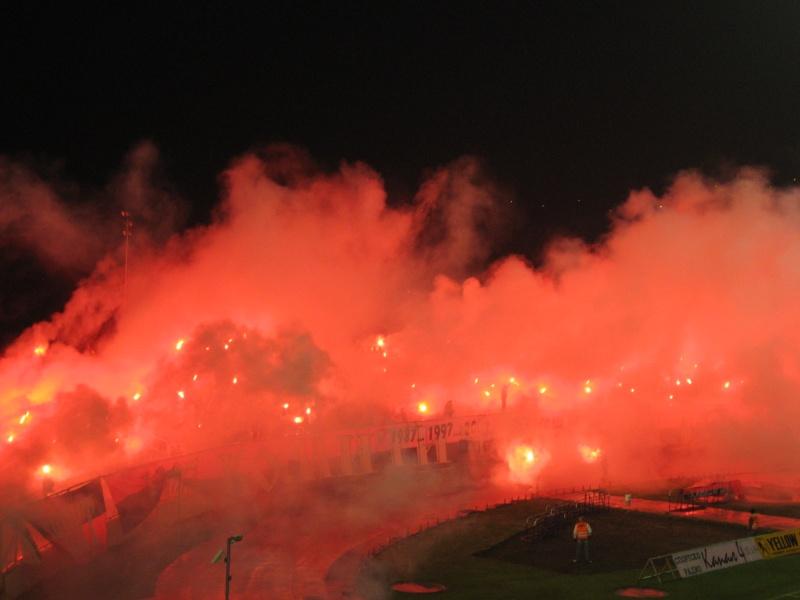 Ultras Choreos (Pyro, Flags, Smokes) Img_4511