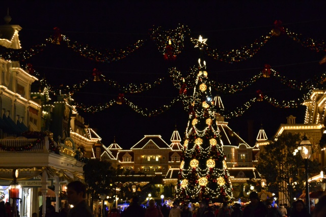 Le Noël Enchanté Disney (du 9 novembre 2012 au 6 janvier 2013) - Page 18 Photo_17