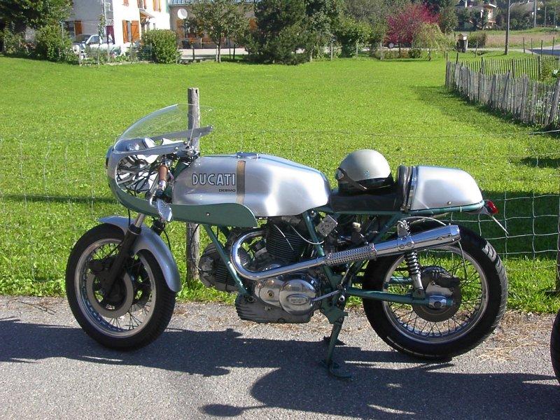 Ducati Twins à Couples Coniques : C'est ICI Ducati10