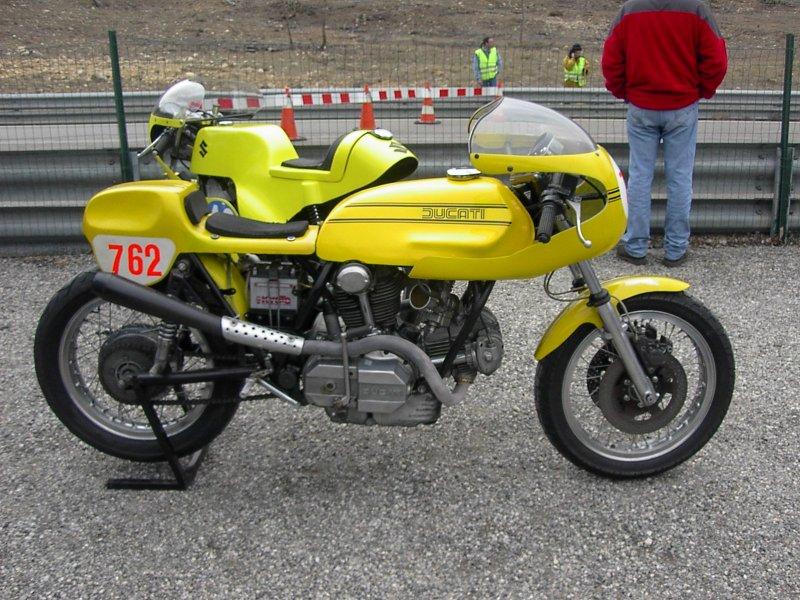 Ducati Twins à Couples Coniques : C'est ICI Ducati11