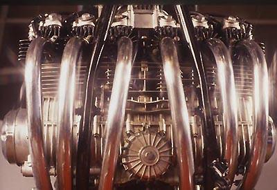 les plus beaux moteurs - Page 11 Sei_mo10