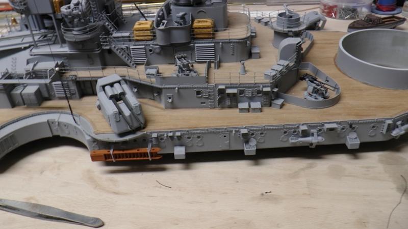 Bau der Bismarck in 1:100  - Seite 24 S1210023