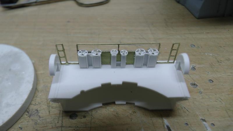 Bismarck 1:100 nur die Aufbauten  - Seite 18 S1310010