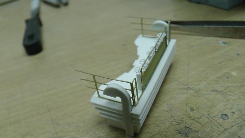 Bismarck 1:100 nur die Aufbauten  - Seite 18 S1310012