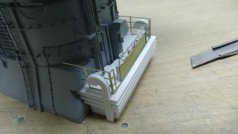 Bismarck 1:100 nur die Aufbauten  - Seite 18 S1310013
