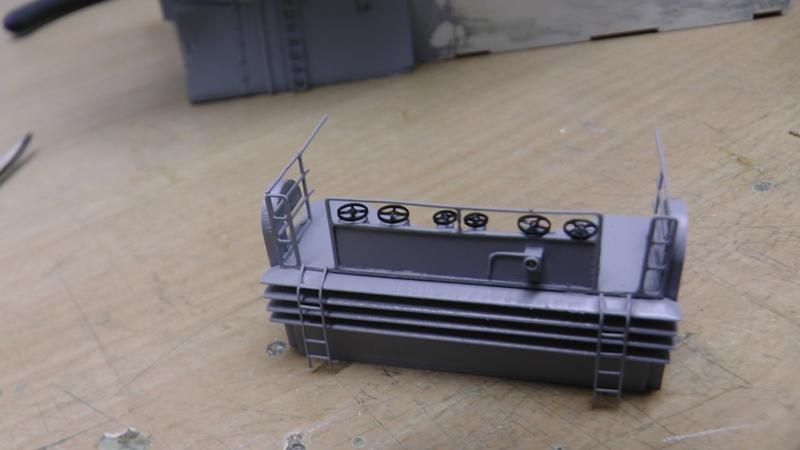 Bismarck 1:100 nur die Aufbauten  - Seite 18 S1310015
