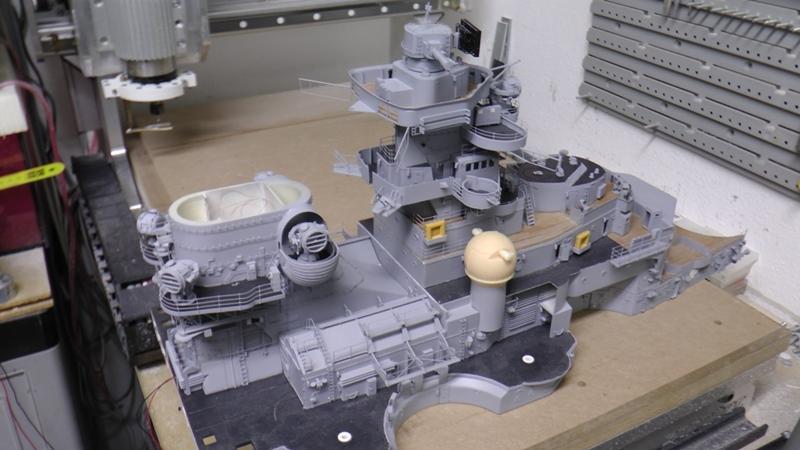 Bismarck 1:100 nur die Aufbauten  - Seite 18 S1370023